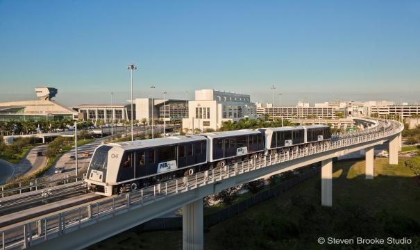 se déplacer depuis l'aéroport de miami metrorail metromover uber lift taxi miami les transports en commun à miami transports à miami blog miami off road