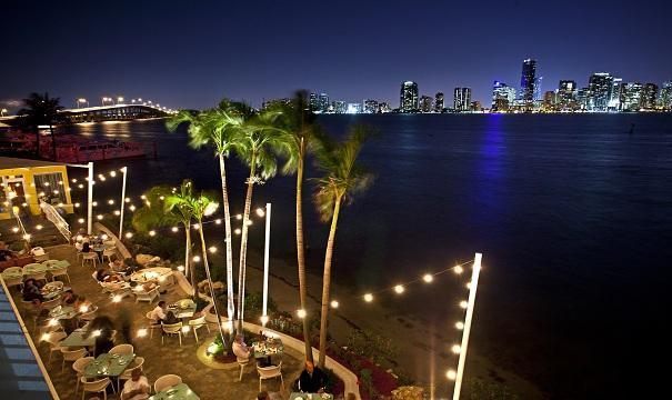 saint valentin dîner romantique diner aux chandelles rusty pelican skyline ou feter la saint valentin à miami diner romantique lieux romantiques à miami blog miami off road